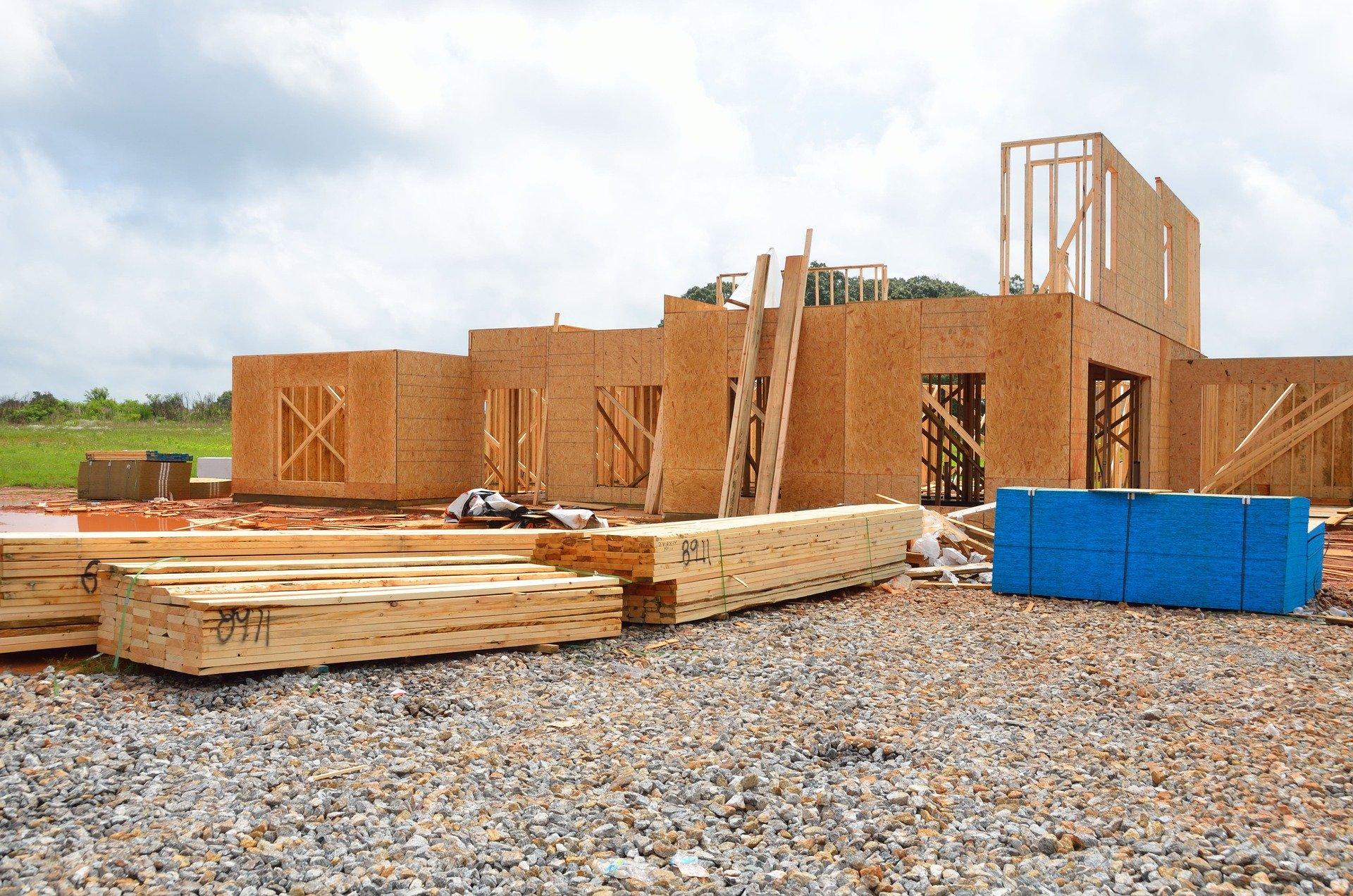 Chantier de construction d'une maison écologique en ossature bois