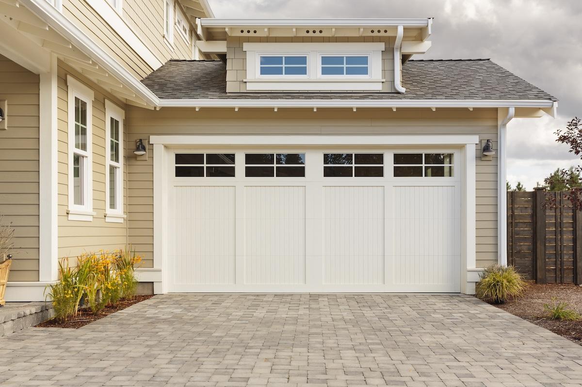 Porte de garage à isoler